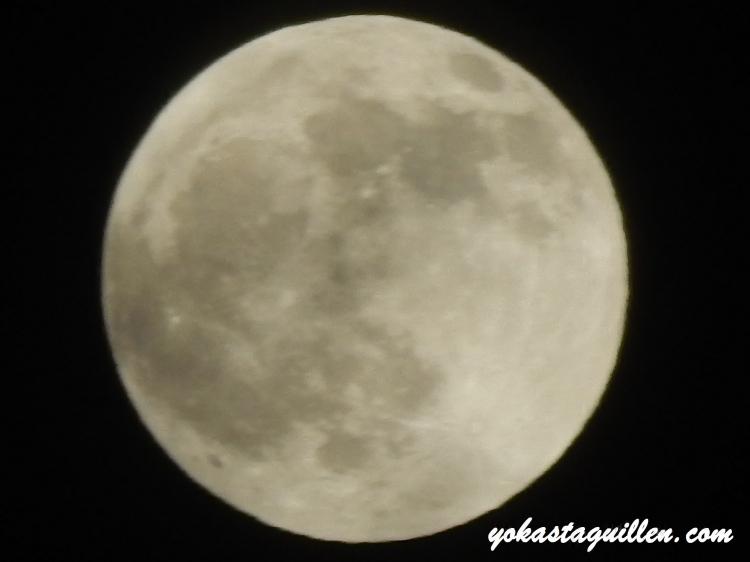 La Luna horas antes del Eclipse total  04/15/14